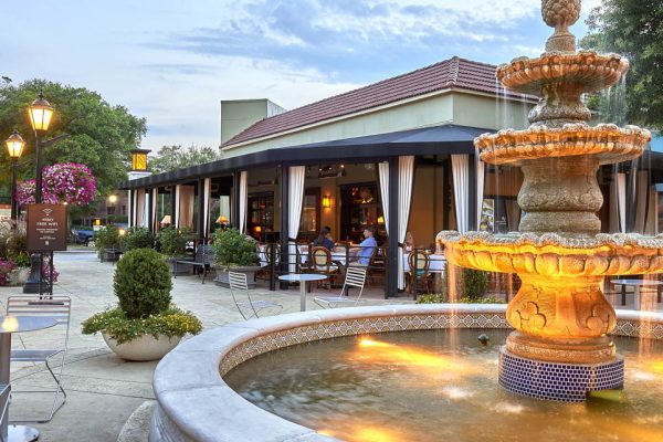 Outdoor shopping an dining destination in SouthPark Charlotte, NC | Specialty Shops SouthPark